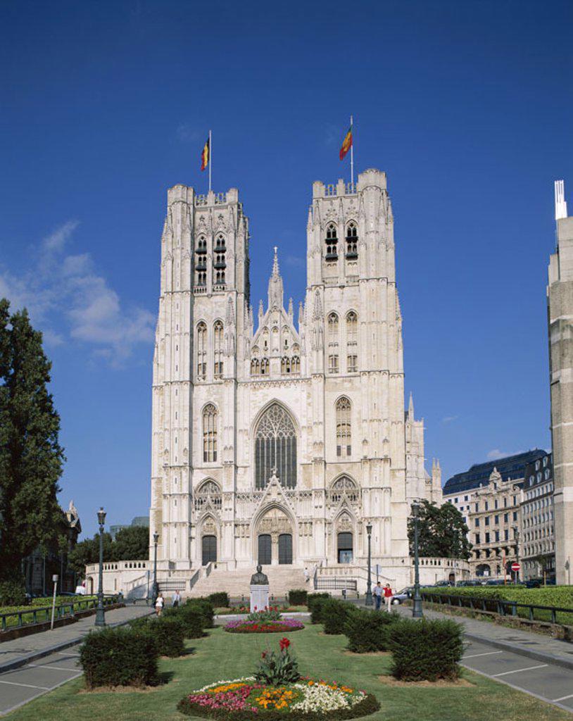 Belgium, Brussels, cathedral Saint-Michel, Park  Benelux, capital, residence city, Sint-Michiels, church, construction, style, Brüsseler Gothic, 13-15 Jh., Architecture, sight, destination, tourism,  Concept, belief, religion : Stock Photo