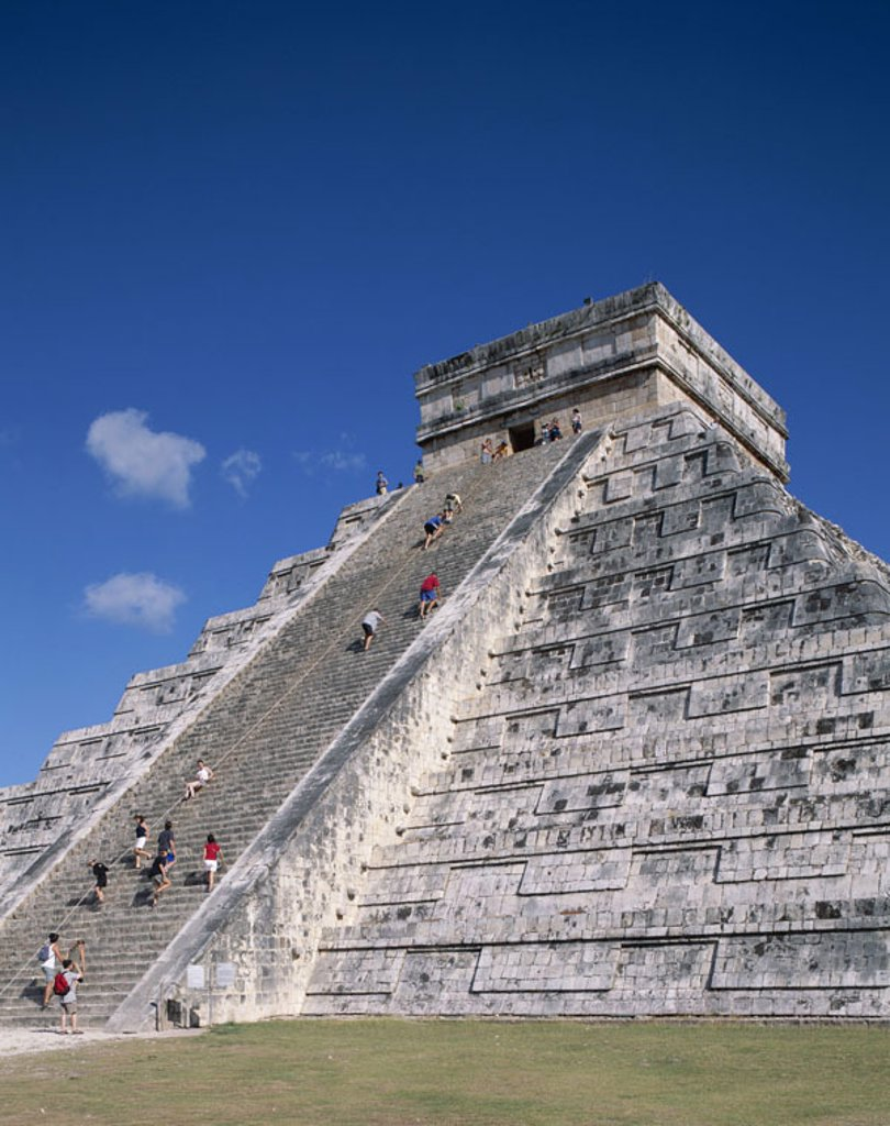 Mexico, Yucatan, Chichen Itza,  El Castillo, tourists,   Central America, ruin place, pyramid installation, pyramid of the Kukulcan, temples, ruins, Maya-Kultur, Maya, construction, architecture, steps, stairways, people, visitors, vacation, trip, tourism : Stock Photo