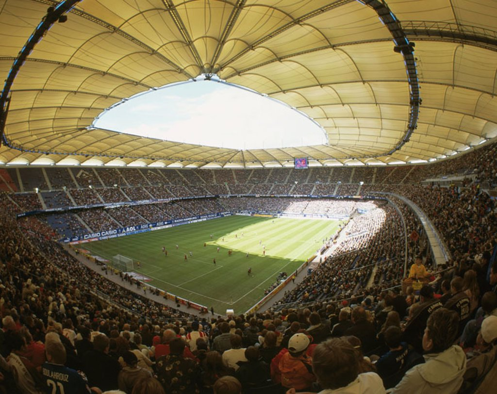 Stock Photo: 1558-84261 Germany, Hamburg, football,  Aol-Arena, spectator positions,  Game field, soccer players, Football stadium, roof construction, canopies, roof, stadium, Aol arena, sports arena, sport stadium, sport, spectators, fans, soccer game, observing, watches, posit