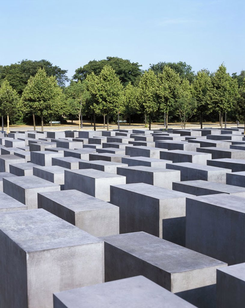 Germany, Berlin, holocaust memorial, Trees,  Europe, capital, memorial, NS-Verbrechen, victims of the national socialism, persecution of the Jews, completion 05.2005, Artist Peter Eisenman, 2700 Stelen, Stelenfeld, monument for Europe´s murdered Jews, sym : Stock Photo