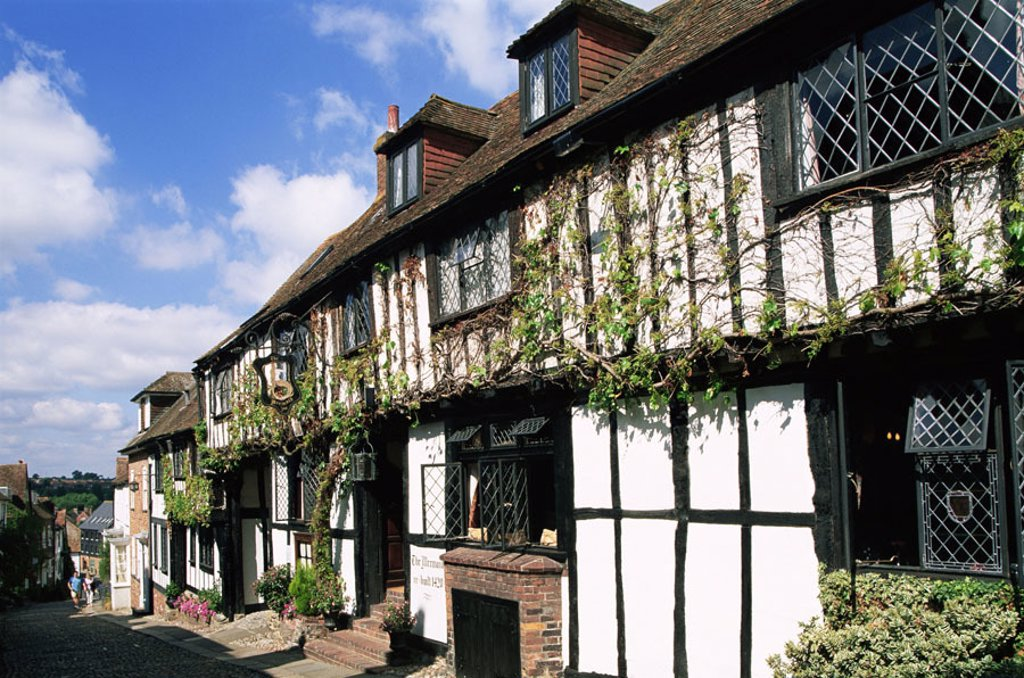 Stock Photo: 1558-87960 Great Britain, Sussex, Rye,  Mermaid Street, Mermaid-Inn, summer,   England, row of houses, timbered houses, buildings, Architecture, timbering, historically, destination, tourism,