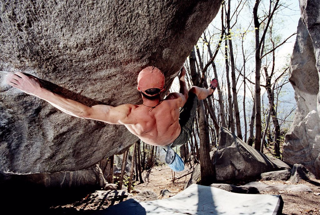 Stock Photo: 1558-90874 Rocks, climbers, Bouldern,  Protection mats,   Grotto de Soupirs, rock, Boulder, man, sport, athletes, sport climbers, hobby, activity, mountaineering, Klettersport, Freeclimbing, sport mountaineering, muscles, physical strength, strength, effort, difficu