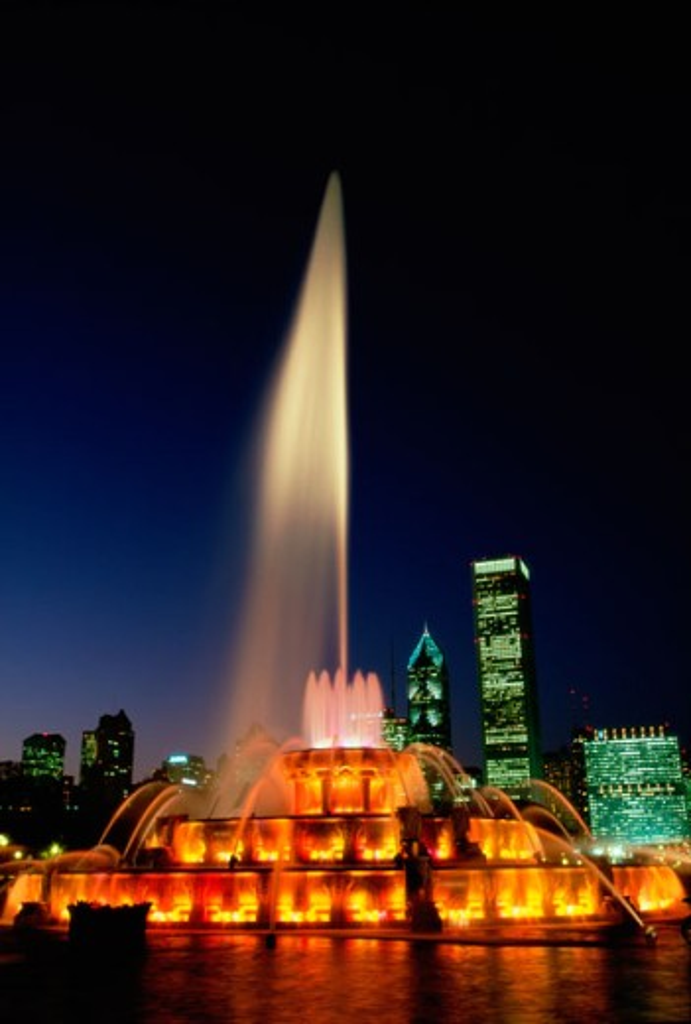 Stock Photo: 1561-861A Buckingham Fountain Grant Park Chicago, Illinois, USA