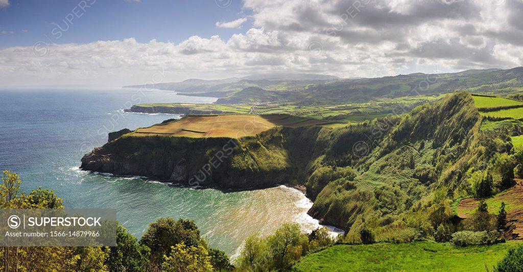 Stock Photo: 1566-14879966 Santa Iria belvedere, São Miguel. Azores islands. Portugal.