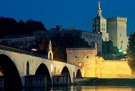 Stock Photo: 1566-0104309 Saint-Bénézet bridge and Papal Palace. Avignon. France
