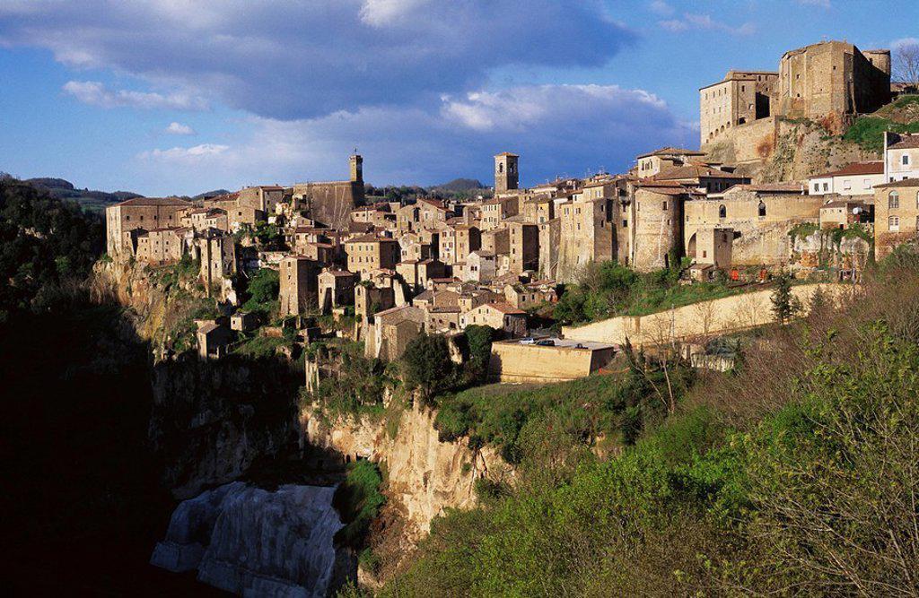 Stock Photo: 1566-0105570 Sorano. Tuscany. Italy