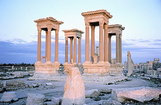 Stock Photo: 1566-0106063 Ruins of the old Greco-roman city of Palmira. Syria