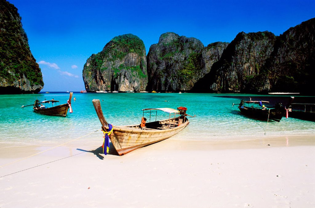 Ao Maya beach. Ko Phi Phi Le Island. Krabi province. Thailand : Stock Photo