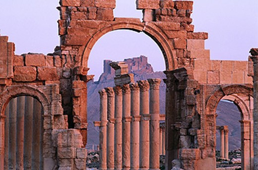 Stock Photo: 1566-0107196 Ruins of the old Greco-roman city of Palmira. Syria