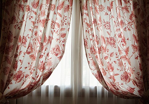 Stock Photo: 1566-0130003 window and curtains