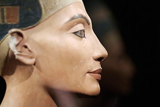 Bust of Queen Nefertiti. New Kingdom, 18th dynasty, Amarna era, around 1340 BC. Limestone and plaster, height 50 cm. Egyptian Museum. Berlin - Charlottenburg. Germany. : Stock Photo