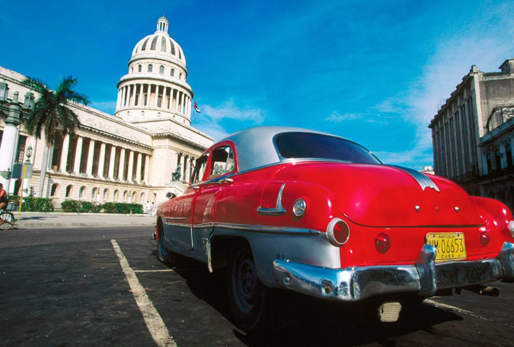 Stock Photo: 1566-0130922 Capitol Building and old car. Havana. Cuba