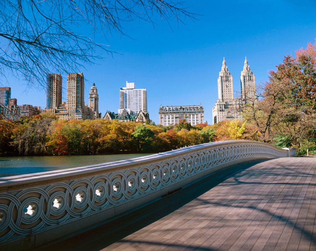 Stock Photo: 1566-0130959 Bow Bridge at Central Park. New York City. USA