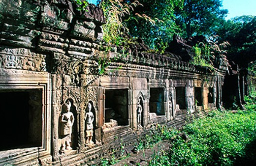 Ruins in a temple in Angkor. Cambodia : Stock Photo