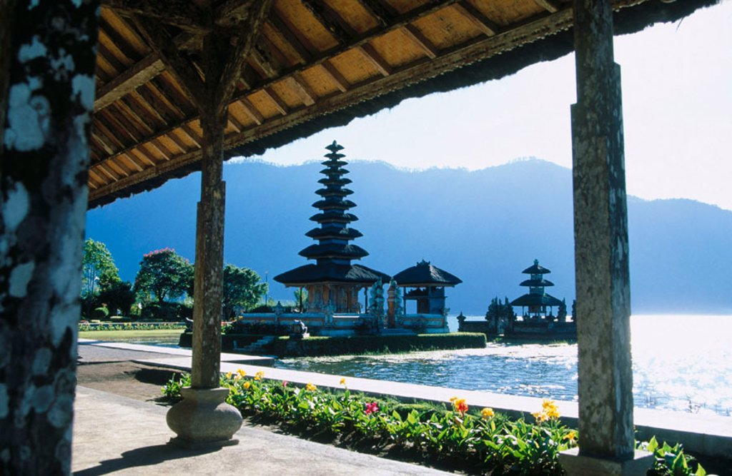 Stock Photo: 1566-0132256 Ulun Danu Temple in Lake Baratan. Bedugul. Bali, Indonesia