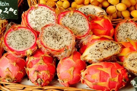 Dragon fruits from Vietnam at Viktualienmarkt. Munich, Germany : Stock Photo