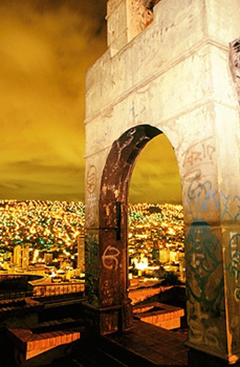 Stock Photo: 1566-0139104 Arch on top of Monticulo. La Paz. Bolivia