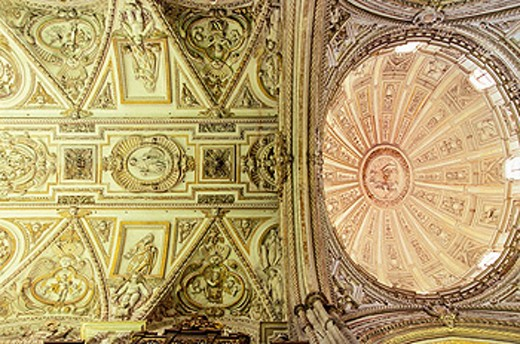 Stock Photo: 1566-0141054 Decoration of vaults, interior of the cathedral. Córdoba. Spain