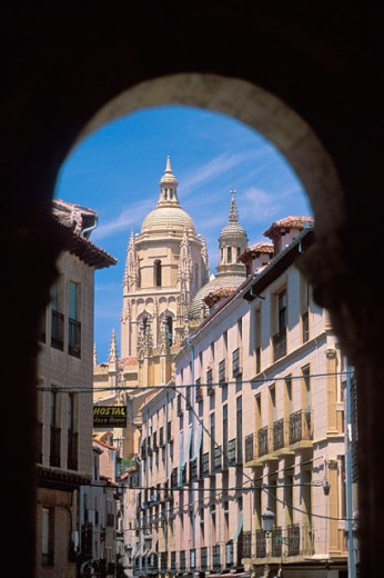 Stock Photo: 1566-0141206 Cathedral seen through arches. Segovia. Spain