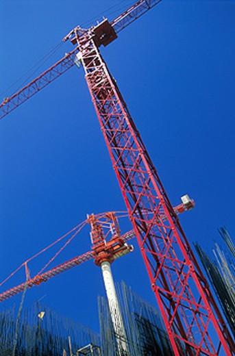 Stock Photo: 1566-0141376 Construction crane