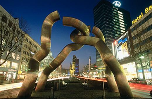 Stock Photo: 1566-0148933 Sculpture ´Berlin´. Kaiser Wilhelm Memorial Church. Berlin. Germany