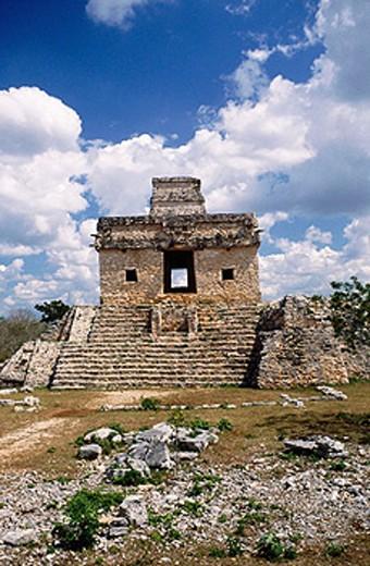 Temple of the Seven Dolls. Dzibilchaltun. Yucatan. Mexico : Stock Photo
