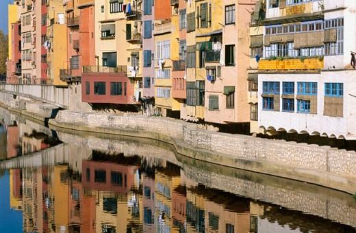 Stock Photo: 1566-0162421 House facades by the rives. Girona. Catalonia. Spain.
