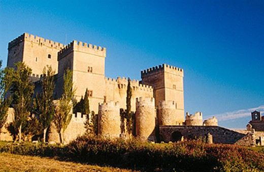 Stock Photo: 1566-0166357 Castle, built 15th century. Ampudia. Palencia province, Spain
