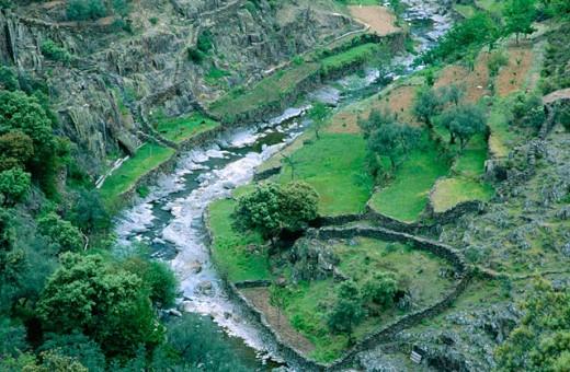 Hurdano River. El Gasco village (Las Hurdes). Cáceres province. Spain : Stock Photo