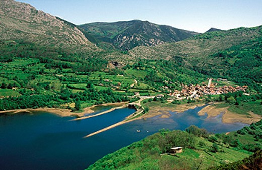 Rioseco reservoir, Redes Natural Park and Biosphere Reserve. Asturias, Spain : Stock Photo