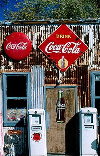 Gas station on Route 66. Arizona, USA : Stock Photo