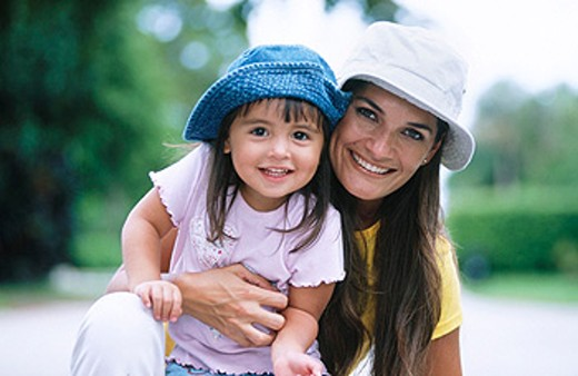 Stock Photo: 1566-0177556 mother and daughter