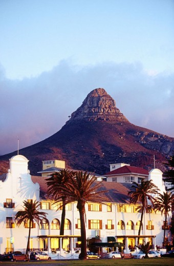 Sea Point Hotel with Lion´s Head. Cape Town. South Africa : Stock Photo