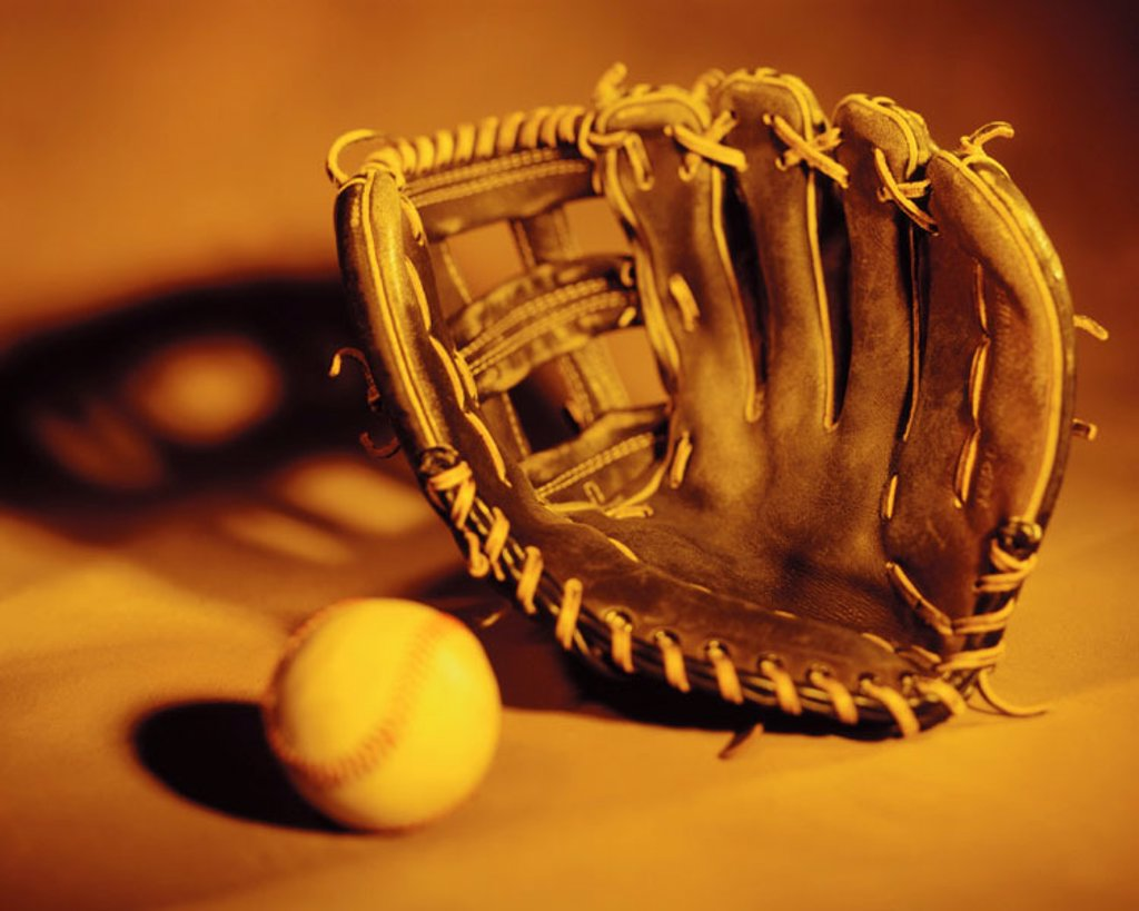 Stock Photo: 1566-018274 Baseball and glove