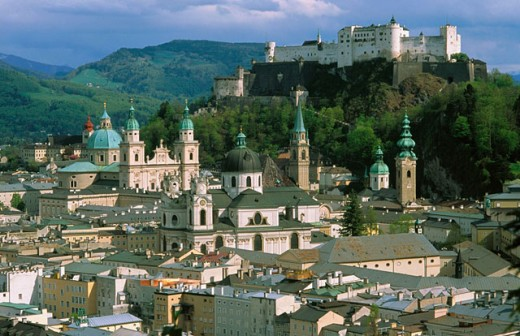 Stock Photo: 1566-0184188 Old city and castle. Salzburg. Austria