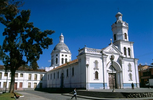 Stock Photo: 1566-0184227 ´Iglesia de San Sebantian´ in Cuenca. Ecuador