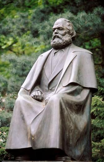 Stock Photo: 1566-0184589 Karl Marx monument. Karlovy Vary. Czech republic.
