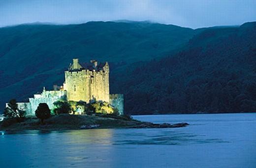 Eilean Donan Castle. Dornie. Highlands. Scotland : Stock Photo