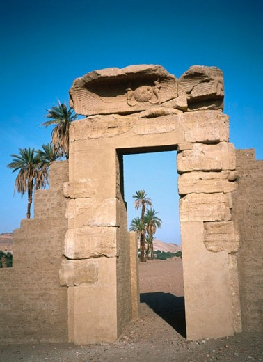 Stock Photo: 1566-0186908 Elephantine Island and Knum temple. Egypt