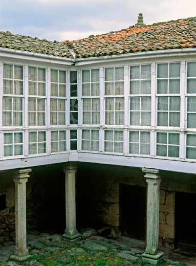 Courtyard of Casa Grande de Trives, ´pazo´ (Galician country house) dating 17th century. A Pobra de Trives. Orense province, Spain : Stock Photo