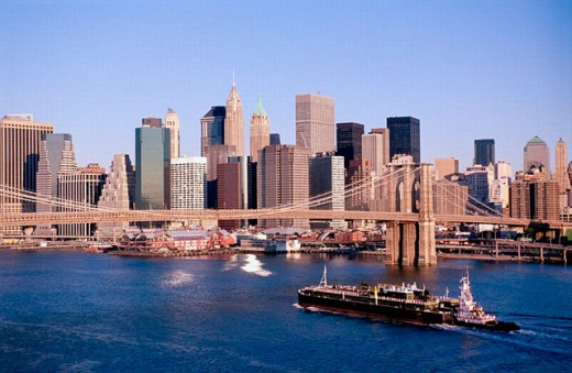 Brooklyn Bridge and Lower Manhattan skyline. New York City, USA : Stock Photo