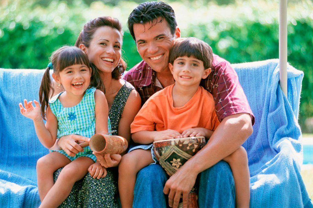 Stock Photo: 1566-0195829 hispanic family