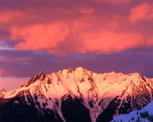 Stock Photo: 1566-0196289 Winter sunset over Nooksack Ridge. North Cascades. Washington. USA.