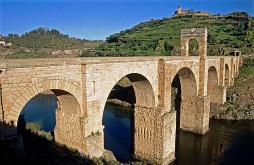 Stock Photo: 1566-0197628 Roman bridge, Alcántara. Cáceres province, Spain