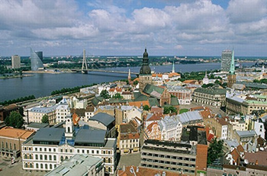 Stock Photo: 1566-0204969 Castle and Dom cathedral, view on old town from St. Peter´s church. Riga, Latvia