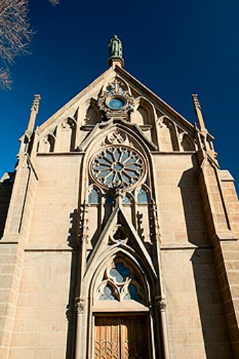 Stock Photo: 1566-0206981 Loretto Chapel housing the ´Miraculous Staircase´ supposedly built by St. Joseph, downtown Santa Fe. New Mexico, USA