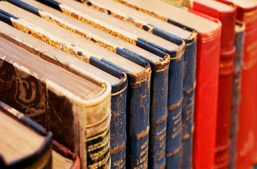 Stock Photo: 1566-0215438 Old books at outdoor antique show.