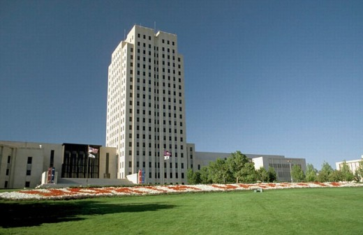 Stock Photo: 1566-0219552 State Capitol Building. Bismarck, North Dakota. USA.