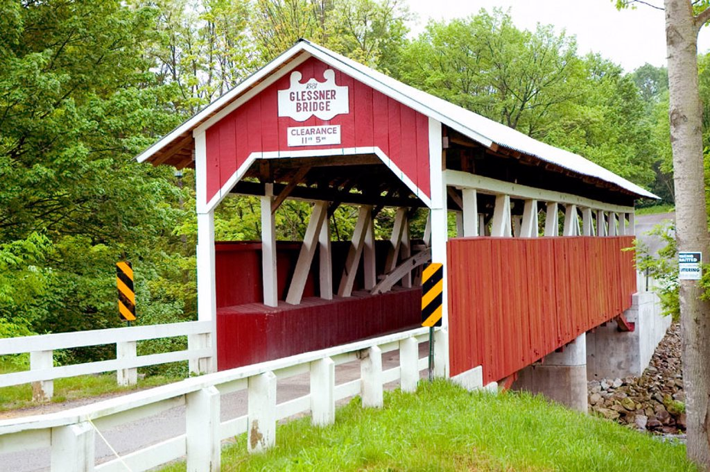 Stock Photo: 1566-0219590 The wooden covered bridge Glessner in the county of Sommerset and township of Stoney Creek at Shanksville. Pennsylvania. USA