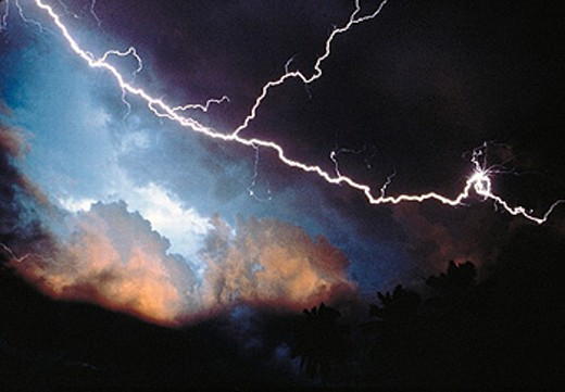 Stock Photo: 1566-0225255 Storm and dramatic lightning bolt